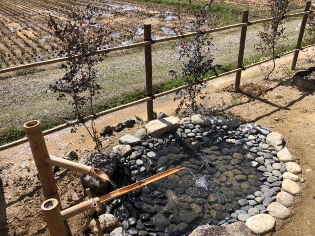茶茂庵の水盤(画像提供:神田陸建築設計事務所)